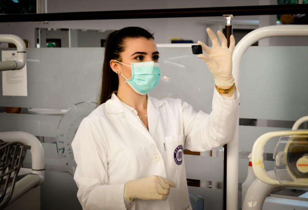 le masque sanitaire enjeu devenu vital et politique